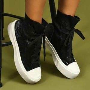*NEW* Black sneakers good for winter fits like 7.5-8